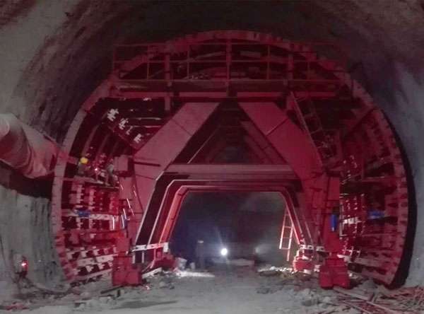 贵州全液压自动行走隧道衬砌台车