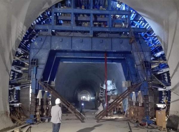 蒙华铁路隧道衬砌台车